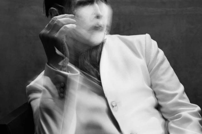 Photo of Marilyn Manson, pâle emprise