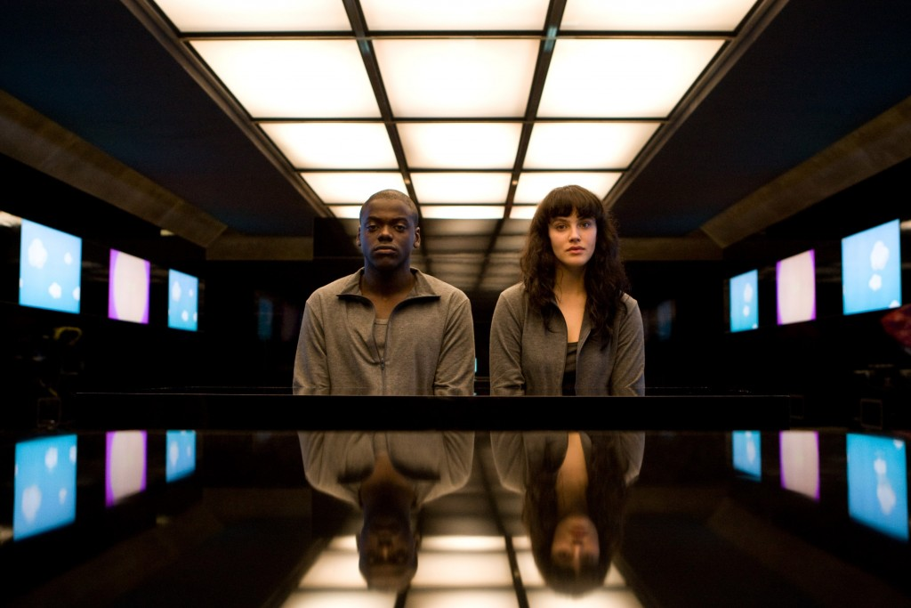 black-mirror-critique-serie-saison-1-saison-2-channel-4-britannique