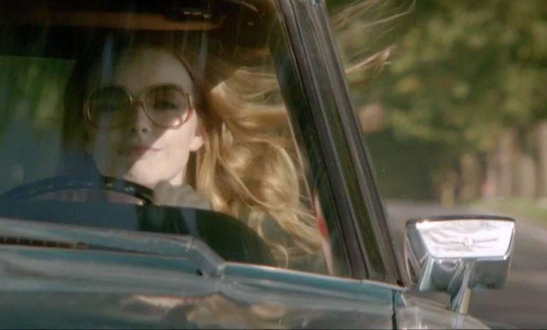 Photo de La dame dans l'auto avec des lunettes et un fusil de Joann Sfar : tu tapes et je matte