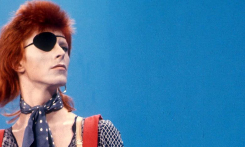 Photo of The Man who changed our world : David Bowie par  Thomas Cohen