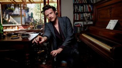 Photo of Father John Misty – Pure Comedy : Nostalgie et Rétroactivité