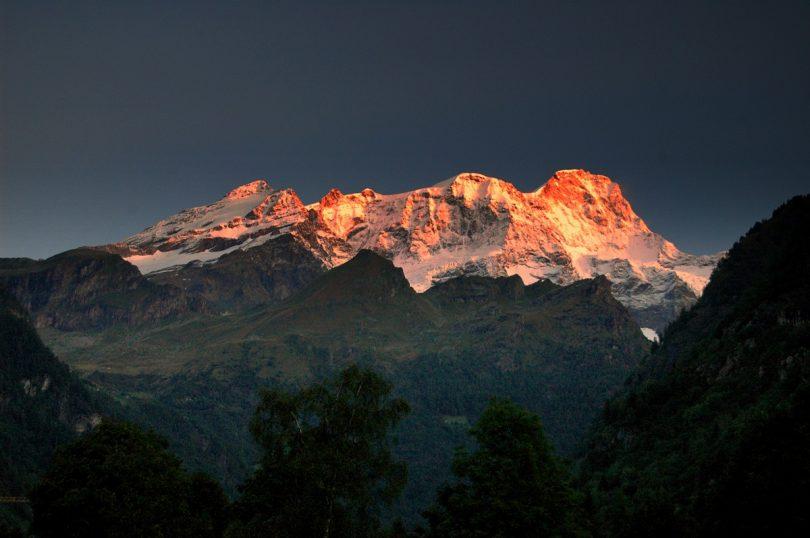 Monte Rosa Valsesia alba / Maxinmilan / Wikimedia Commons