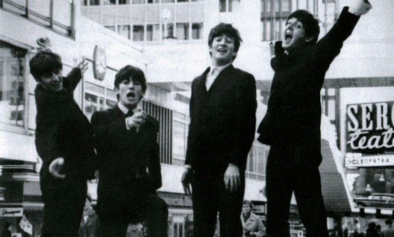 Photo of 11 janvier : 1963, sortie de  « Please Please Me » des Beatles