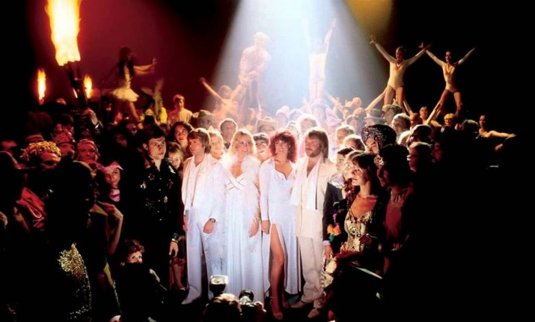 Photo of [Jour de reprise] : Abba – Super Trouper par Salma & Sabina et Camera Obscura
