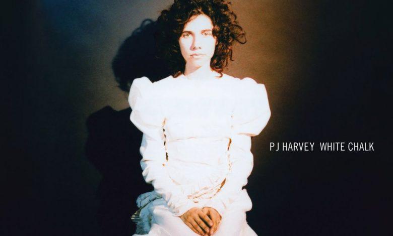 Photo of 24 septembre : 2007, sortie de l'album «White Chalk» de PJ Harvey