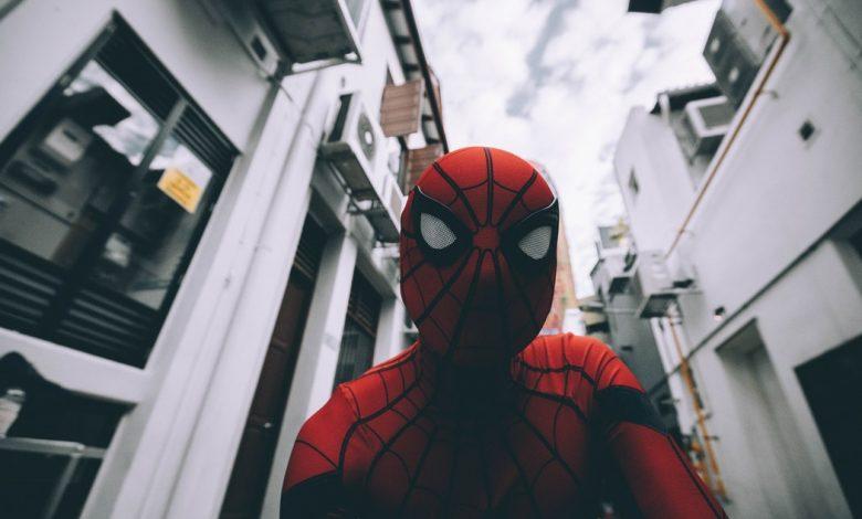 Photo of «Super-héros de troisième division» de Charles Yu : des nouvelles de notre monde pluri-dimensionnel