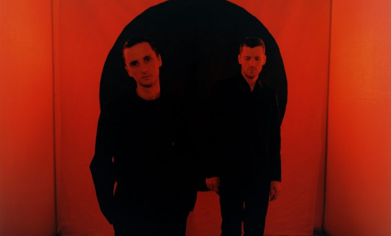 Photo de These New Puritans, la rose et le noir