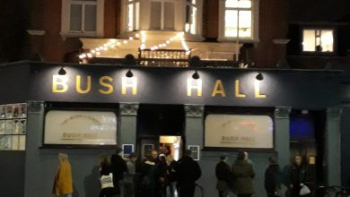 Photo de Adorable au Bush Hall de Londres : back to the end