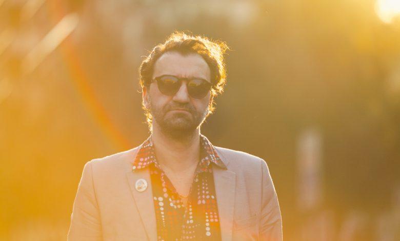 Photo of Alex Rossi : Braquage À L'Italienne – «Mon premier album est aussi celui de la maturité» – Interview