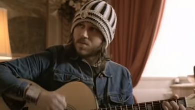 Photo of 26 juin : 2000, sortie de The Hour Of Bewilderbeast de Badly Drawn Boy