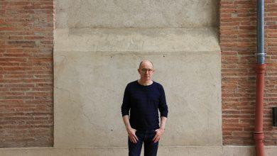 Photo de Laurent Mauvignier remet l'écriture sous tension avec son nouveau roman.